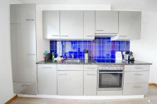 Ferienwohnung in Zürich - ZH Ivory - Letzigrund HITrental Apartment