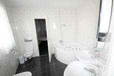 Ferienwohnung in Cham - ZG Edelweiss - Zugersee HITrental Apartment