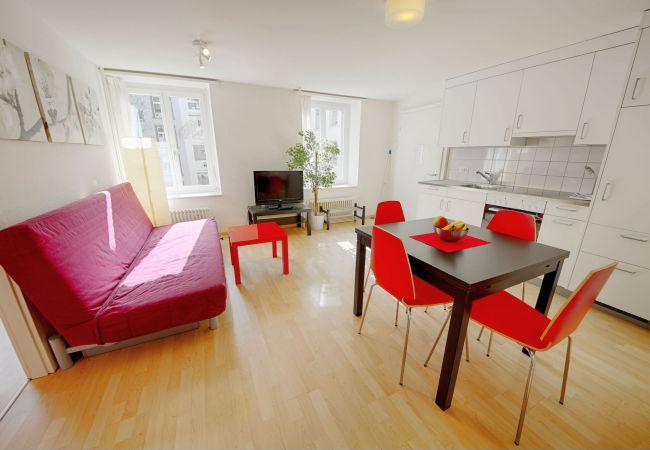 in Zürich - ZH Rodriguez - Stauffacher HITrental Apartment